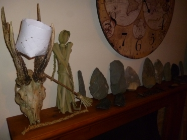 hand axes on the mantle